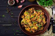 Vegetarian and vegan dehydrated camping food