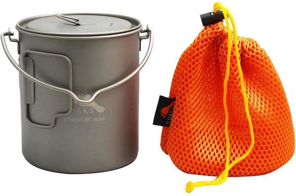 Toaks titanium camping pot